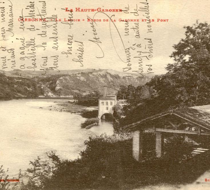 Carte Postale Lavoir et Pont suspendu
