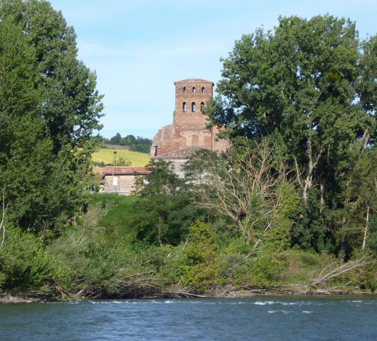 Clocher de l'église Saint Laurent depuis la Garonne